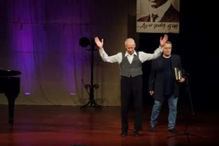 Национален конкурс в Поморие - 2019 - Христо Симеонов награждава Йорадан Кожухаров